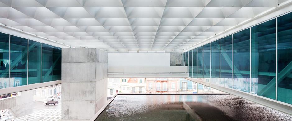 PAULO MENDES DA ROCHA MUSEU COCHES_SLIDE